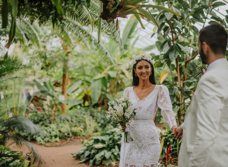 Anwen and Kirk's intimate Botanical Gardens wedding