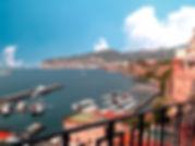 Vista do Golfo de Nápoles a partir do Jardim Público de Sorrento