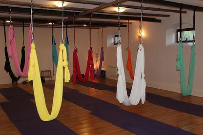 Yoga aérien, yoga swing, yoga hamac, yoga beaujolais