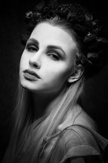 Model: Jessica L.