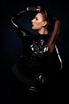 Model: Kim La