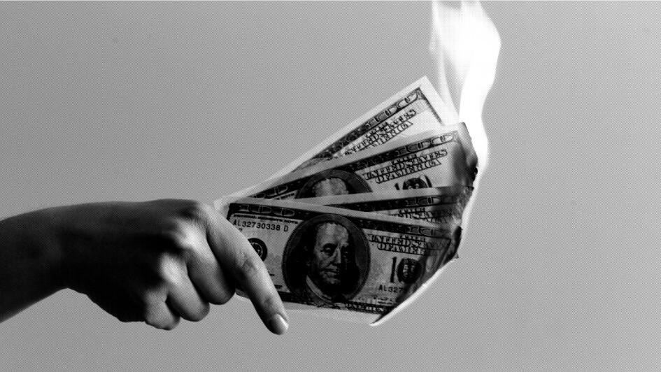dinheiro queimando