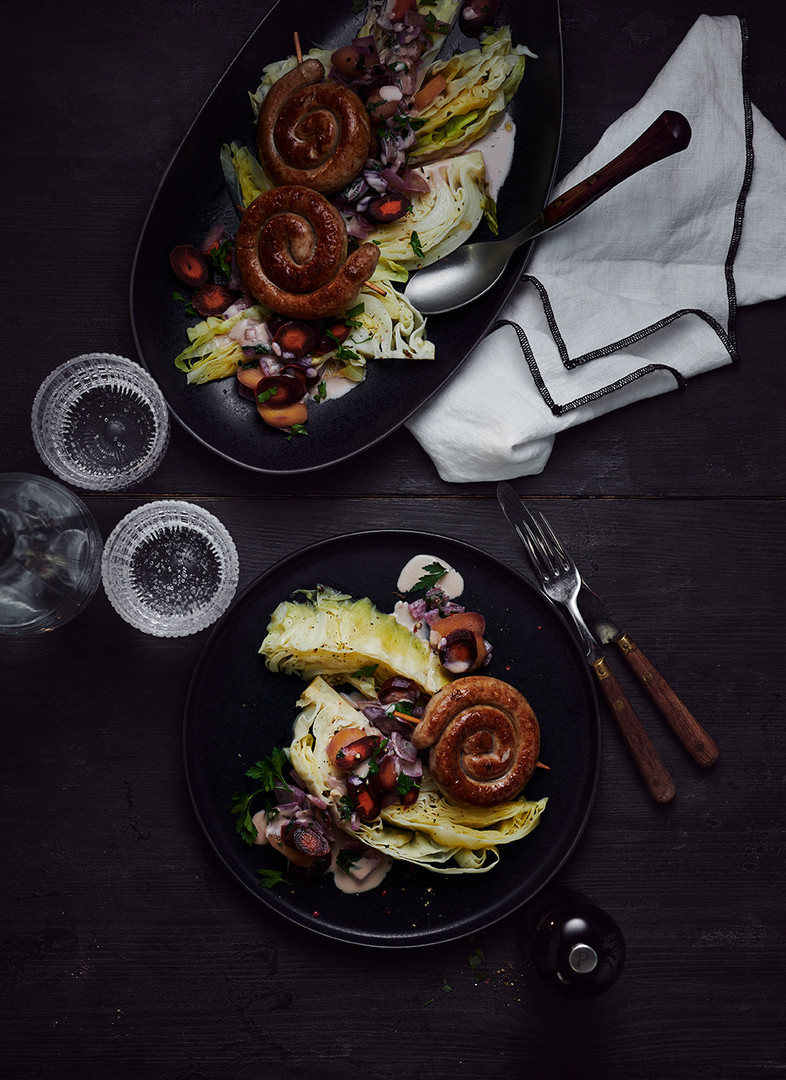 Spitzkohleintopf mit Bratwurst