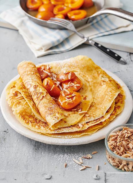 Pfannekuchen mit karamellisierten Aprikosen