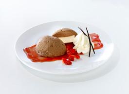 Parfait Schokoladen-Mousse-Kuppel
