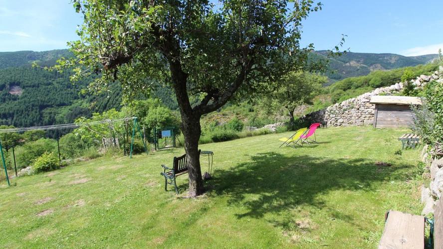 la-ferme-de-chalas-Jardin-1.jpg