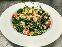 Kale salad with Grilled Chicken