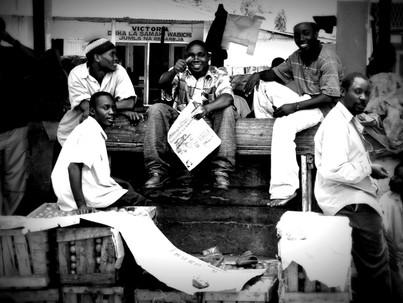 Gentes de Tanzania y Kenia. Mercado de Kariakoo.