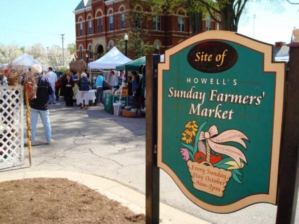 Howell's Farmers Market