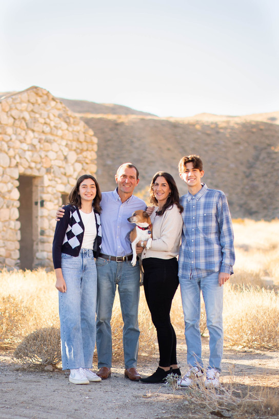 Albert & Edna Byers + Family 2020-3.jpg