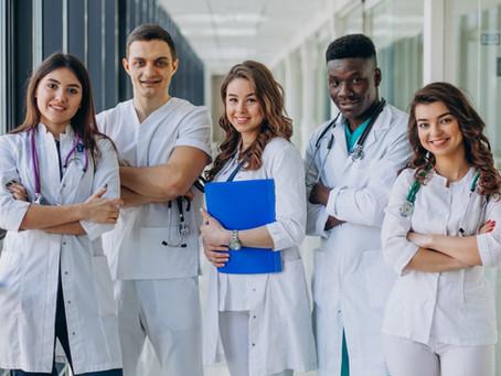 12 de Maio - Dia do Enfermeiro: uma história de amor e dedicação.