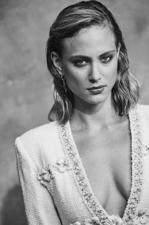 Nora Arnezeder par Sylvie Castioni