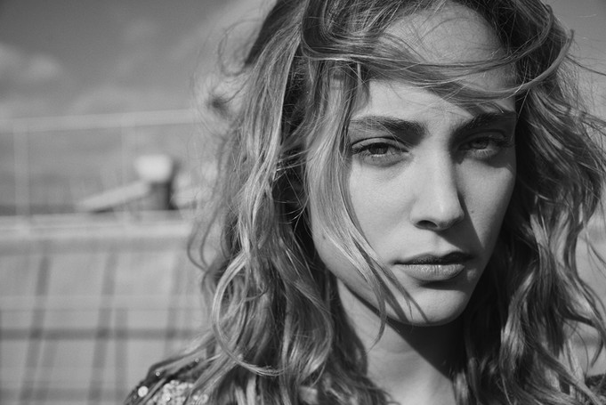 Nora Arnezeder par Eric Guillemain