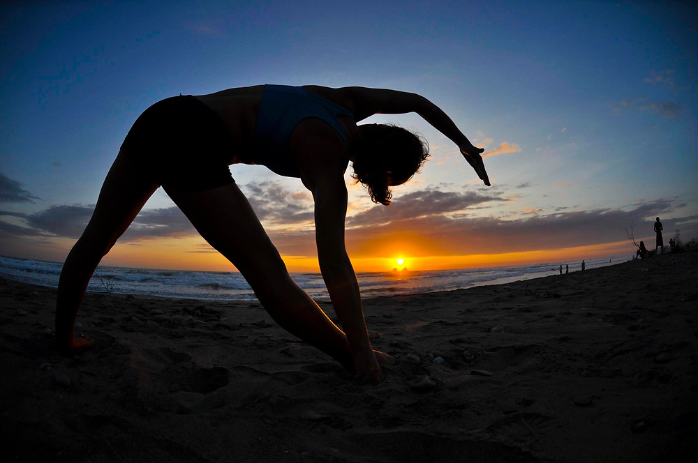 sun set yoga lesson ecuador