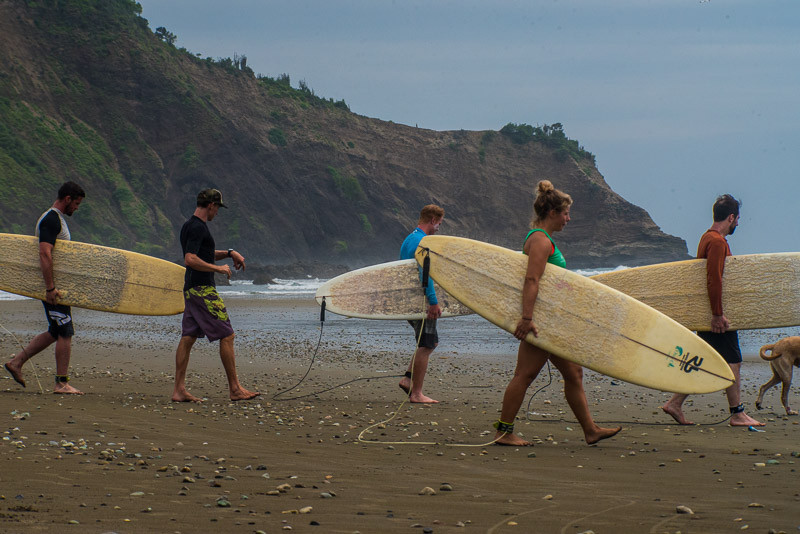 surf lesson ecuador