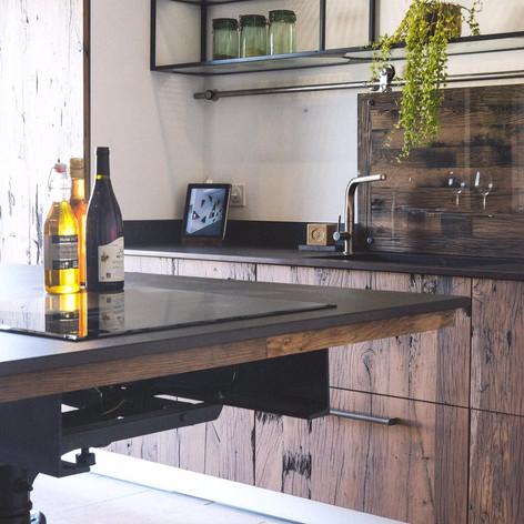 cuisine-sur-mesure-industrielle-vieux-plancher de wagon