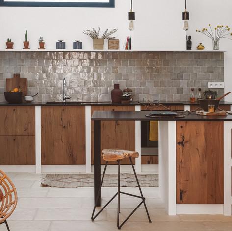 cuisine-authentique-sur-mesure-placage-chene-cracks