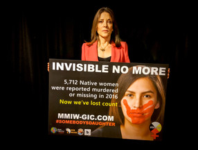 Best-selling Author Marianne Williamson