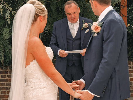 Top 10 Modern Wedding Readings for Friends or Family