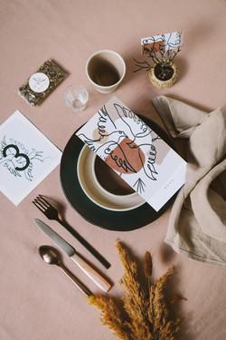 Collection mariage Mariette et Pierre - oiseaux et craie grasse - papeterie table