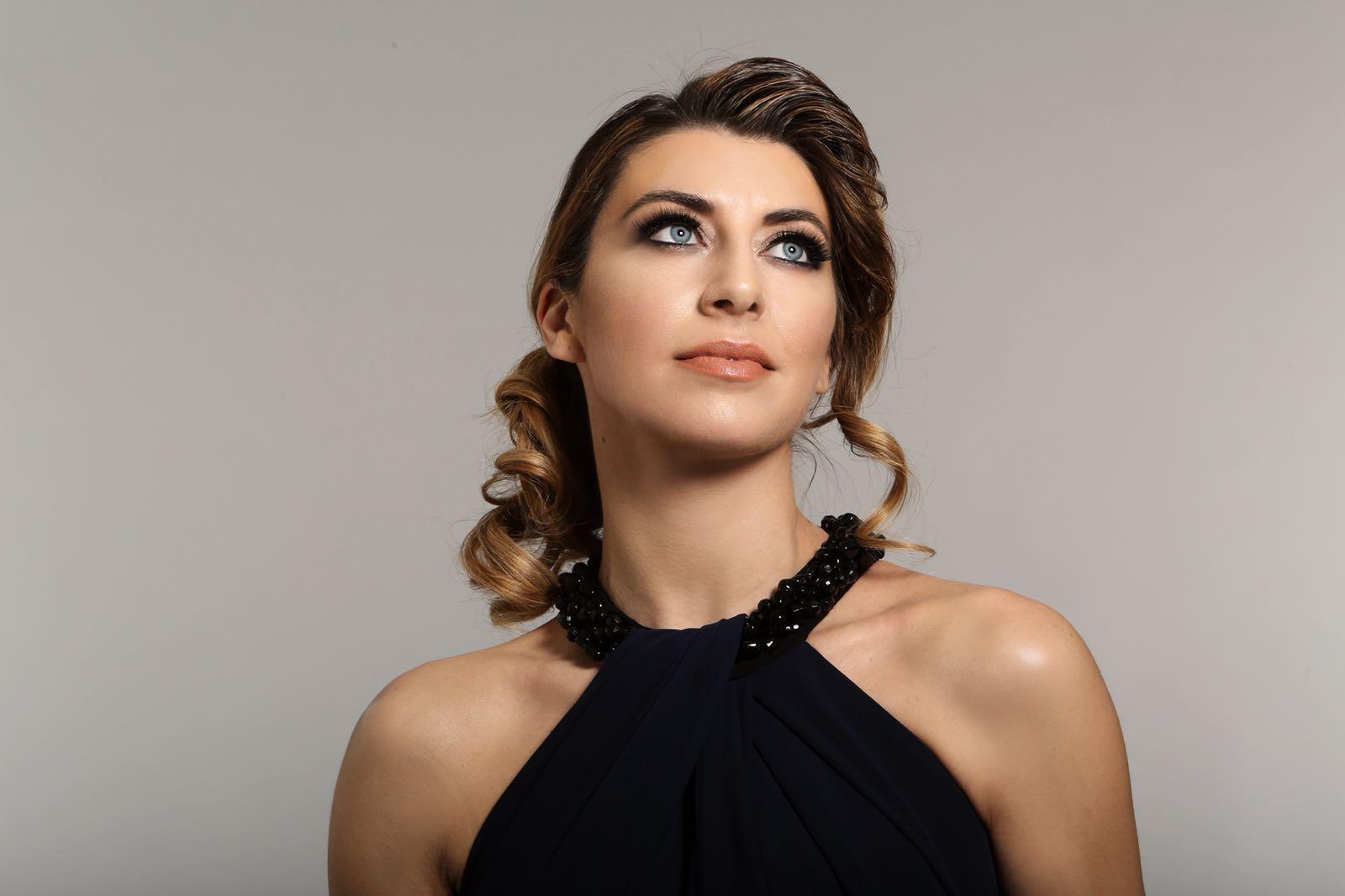 Ilaria bella Black NY
