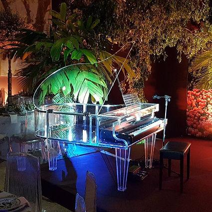 Piano de Calda em inox e acrílico para piano eletrônico