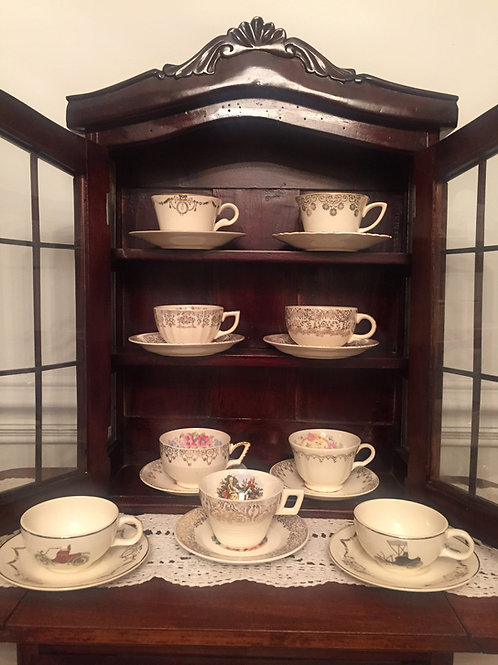 Teacups/Saucers-Gold Collection - 1930-1940's