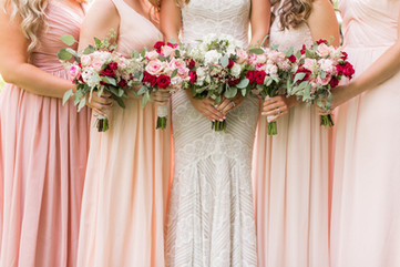 bride and bridesmaid bouquet flowers