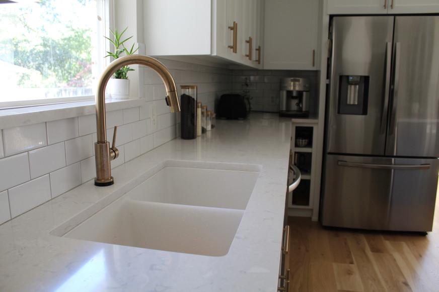 Champagne Bronze Shaker Kitchen