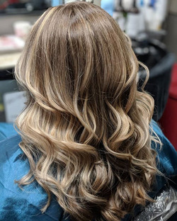 Highlights and Balayage 💕 so fun brightening up this new client !! Thanks for stopping by Jessica