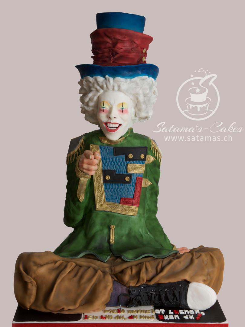 clown_ganz_grauer_hintergrund.jpg