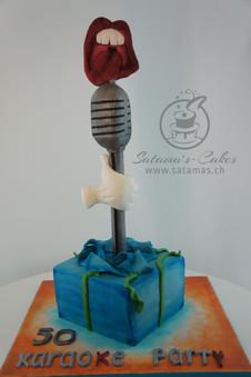 karaoke_cake.jpg