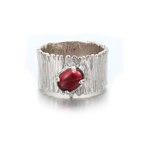 APPLE BLOSSOM SILVER RING WITH GARNET