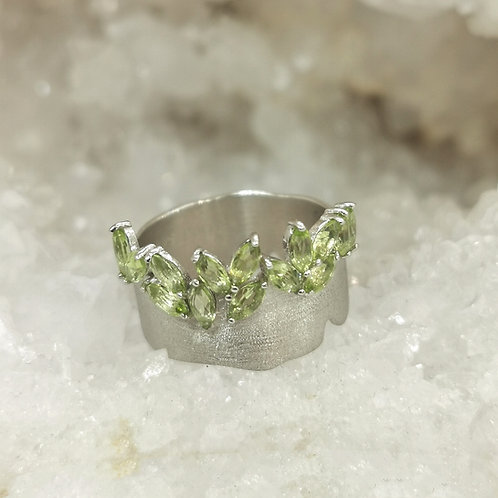 GREEN LIFE RING WITH PERIDOT IN STERLING SILVER