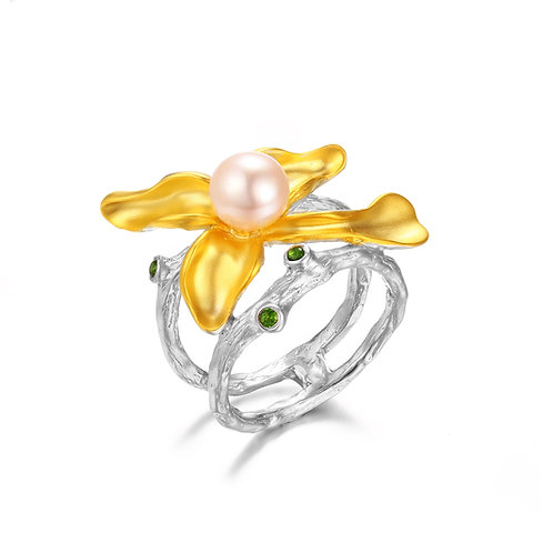 IRIS FLOWER RING IN STERLING SILVER WITH FRESH WATER ROUND PEARL