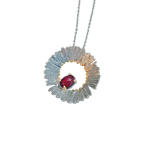 APPLE BLOSSOMS SILVER NECKLACE WITH GARNET