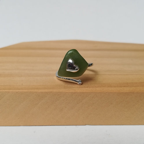 IRREGULAR JADE WITH HEART ADJUSTABLE RING IN STERLING SILVER