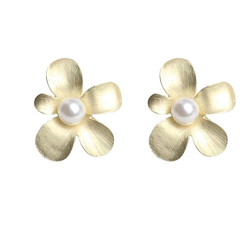 GOLD-PLATED FLOWER STUDS WITH PEARL