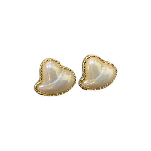 PRETTY IN PEARL ABSTRACT HEART EARRINGS