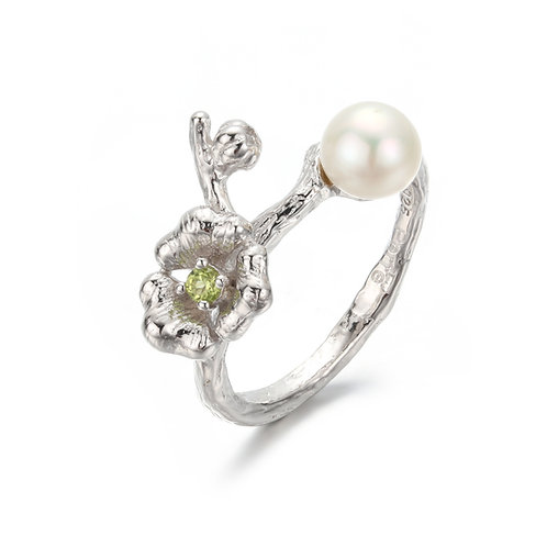 CHERRY BLOSSOM SILVER RING W. PERIDOT & FRESH WATER PEARL