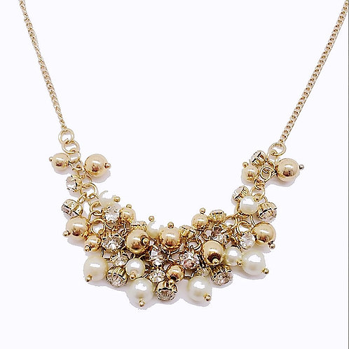PRETTY IN PEARL PARTY NECKLACE