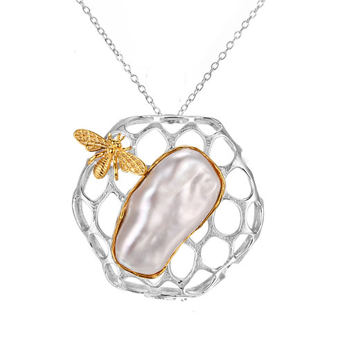 BEE ON HONEYCOMB WITH LARGE BAROQUE PEARL NECKLACE IN STERLING SILVER