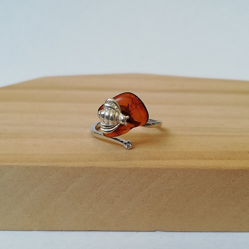 IRREGULAR AMBER BEE ADJUSTABLE RING IN STERLING SILVER
