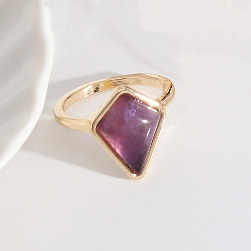 AMETHYST DIAMOND SHAPED GOLD PLATED RING