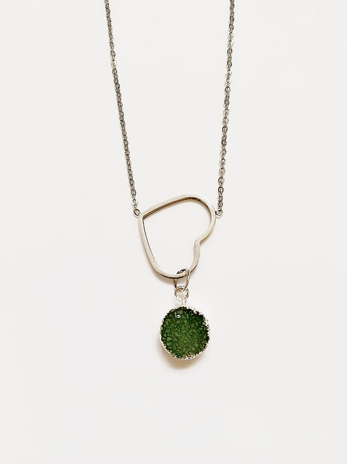 CHARMING HEART NECKLACE WITH GREEN DRUZY PENDANT