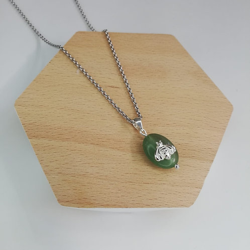 IRREGULAR JADE WITH BEE NECKLACE IN STERLING SILVER