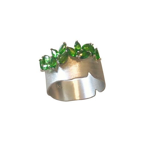 DIOPSIDE HANDMADE SILVER RING