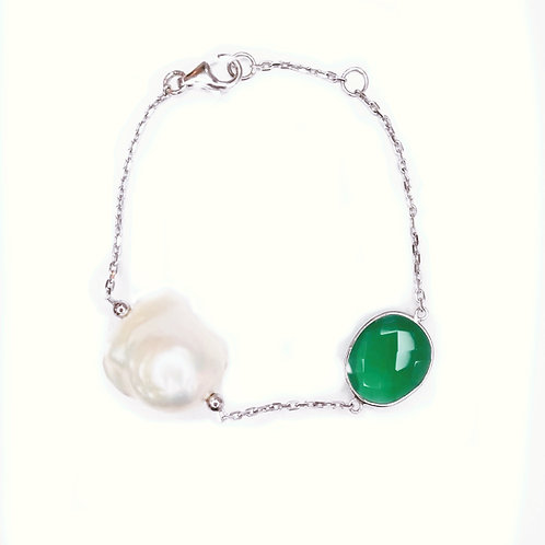 GREEN AGATE WITH BAROQUE PEARL STERLING SILVER BRACELET