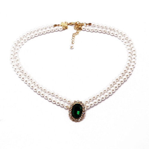 PRETTY IN PEARL NECKLACE WITH GREEN GLASS CRYSTAL