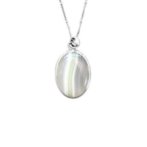 GREEN AGATE PENDANT IN STERLING SILVER